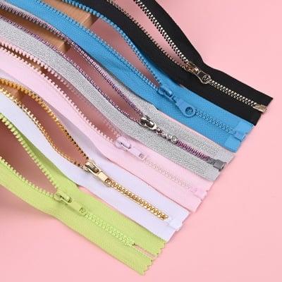 plastic-zipper