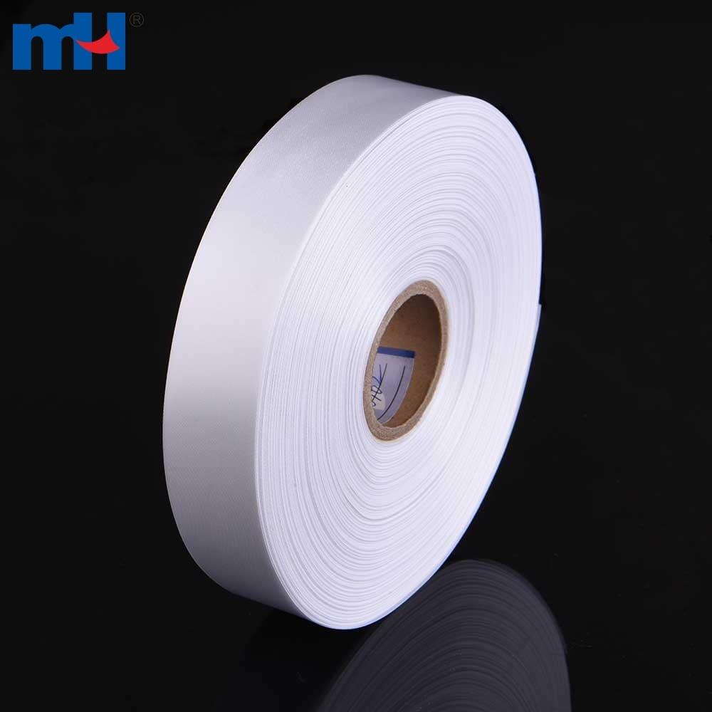 cinta de raso en blanco