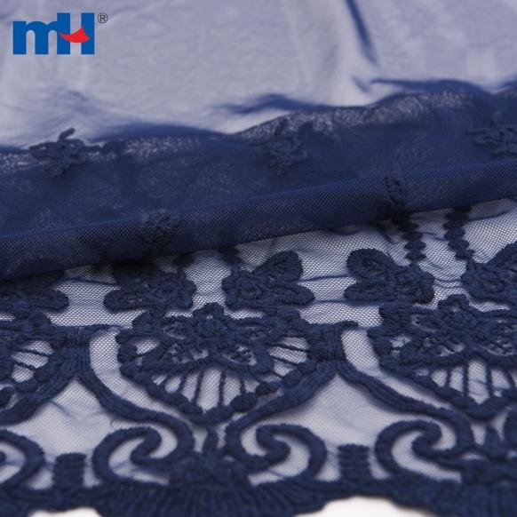merletto di maglia ricamato