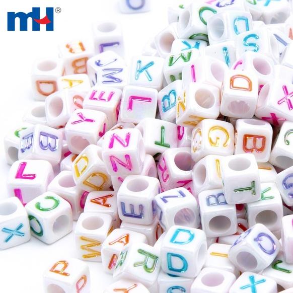 Perles de mot carrées de 6 mm